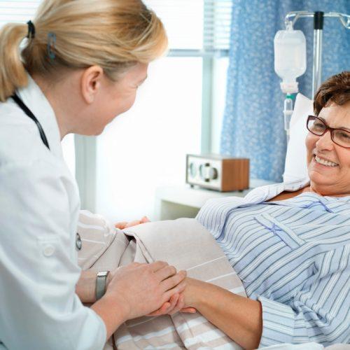 Nutrição Enteral: O que você precisa saber sobre dieta de sonda no câncer de cabeça e pescoço