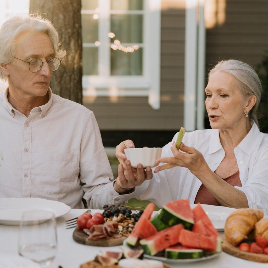 Alimentação para idosos: 6 recomendações do Ministério da Saúde